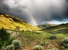 山脉 草地 彩虹