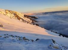 雪山 云层
