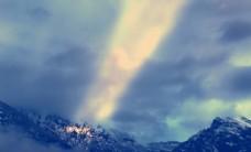雪山 天空 阳光