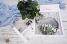 木纹桌面明信片实物拍摄