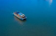 海上豪华游轮休闲旅游