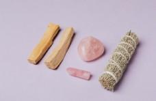 木材 宝石 草