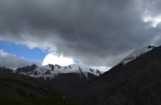 岗什卡雪峰