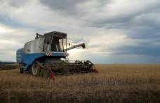 农业收割机