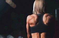 人物女性健身后背锻炼背景素材