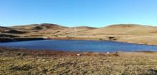 高山湖泊风光图片