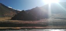 雪山日出光芒风景图片